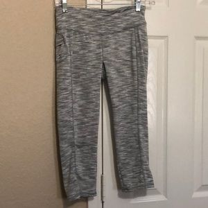 Danskin crop leggings grey stripe small 4-6